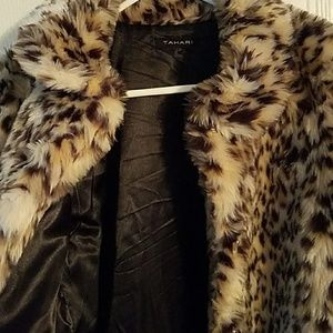 Tahari Jackets & Coats - TAHARI- Cheetah Long Fur Girl's Jacket, Size 14/16
